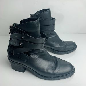 Dolce Vita Combat Ankle Bootie Size 9